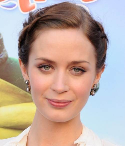 Emily Blunt hairstyle makeup Gnomeo-Juliet premiere