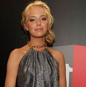 Emma Stone hairstyle makeup 2011 Critics Choice Awards