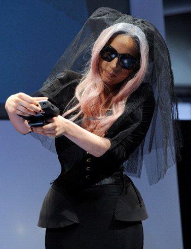 Gaga unveils Polaroid products at exhibition