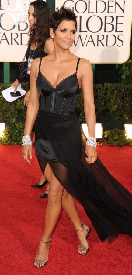 Halle Berry Nina Ricci dress 2011 Golden Globes Awards