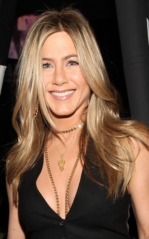 jennifer aniston new hair 2011. jennifer aniston new hair 2011