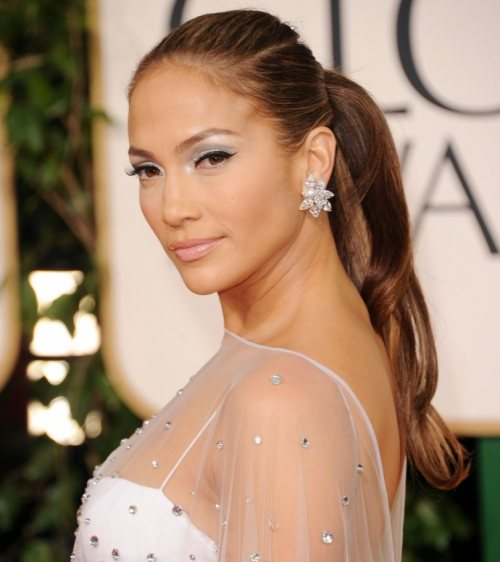 99beb62d3017 Jennifer Lopez angelic in white at 2011 Golden Globe Awards