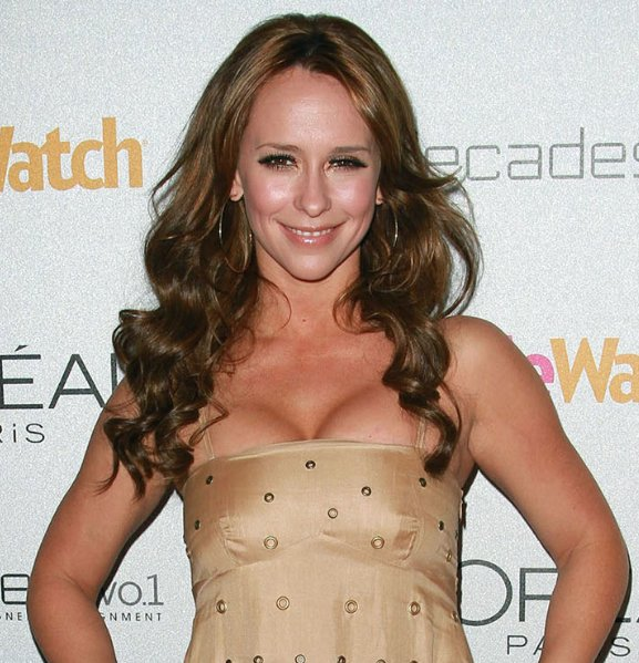 Jennifer-Love-Hewitt-hairstyle