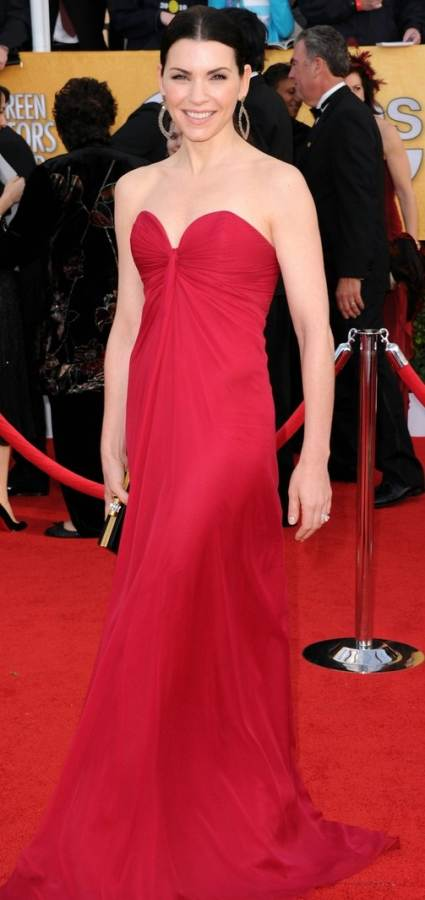 Julianna Margulies elegant in red at 2011 SAG Awards