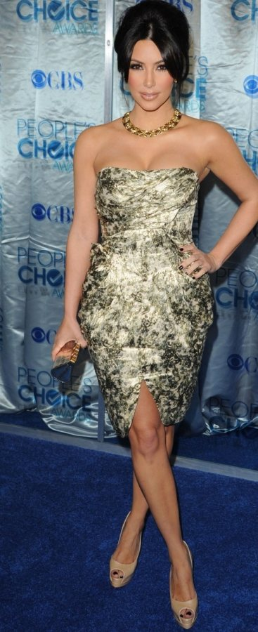 Kim Kardashian gold brocade dress 2011 Peoples Choice Awards