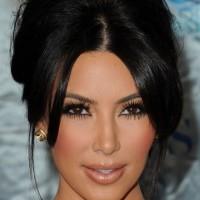 Kim Kardashian hair-makeup 2011 Peoples Choice Awards