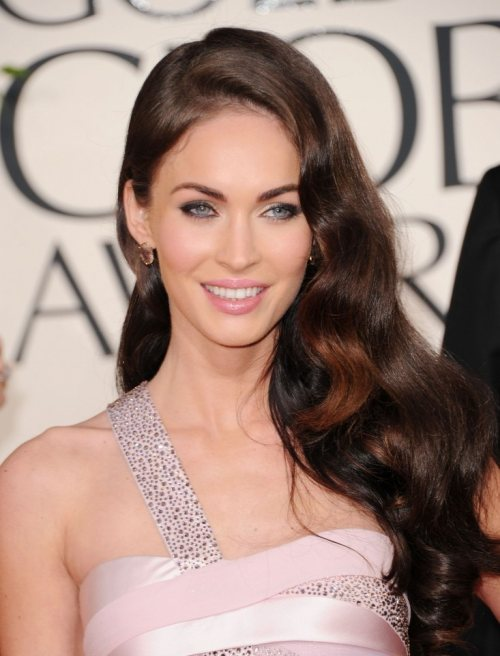 megan fox 2011 golden globes dress. Megan Fox in hairstyle makeup