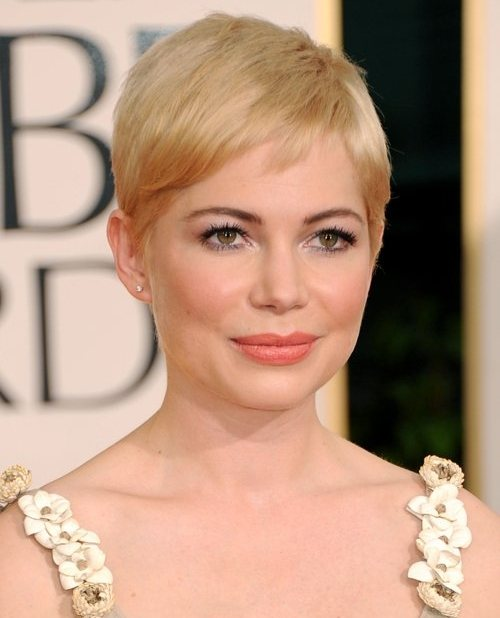Michelle Williams hairstyle makeup 2011 Golden Globe Awards