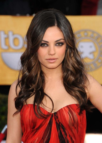 Mila Kunis Alexander hairstyle makeup 2011 SAG Awards