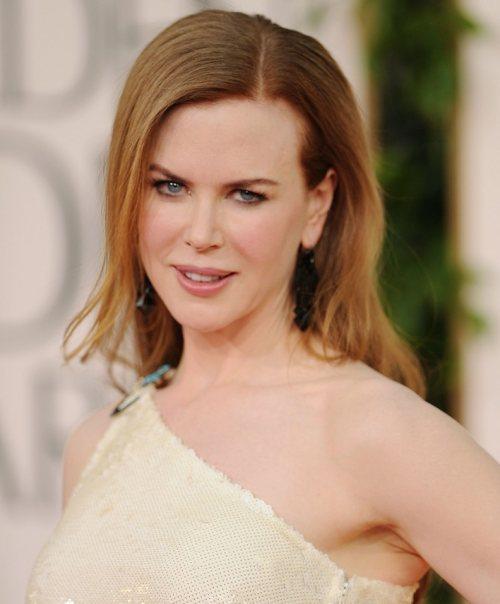 Nicole Kidman hairstyle makeup Golden Globes 2011