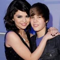 Selena Gomez and Justin Bieber caught kissing