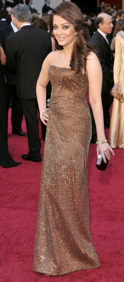 Aishwarya Rai 2011 Oscars Red Carpet