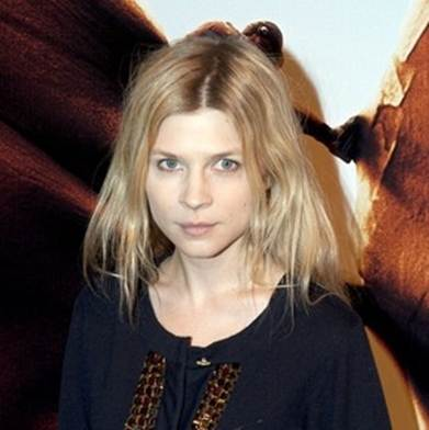 Clemence Poesy hairstyle premiere in Paris