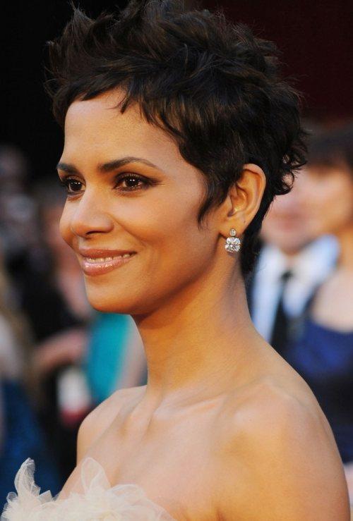 Halle Berry 2011 Oscars