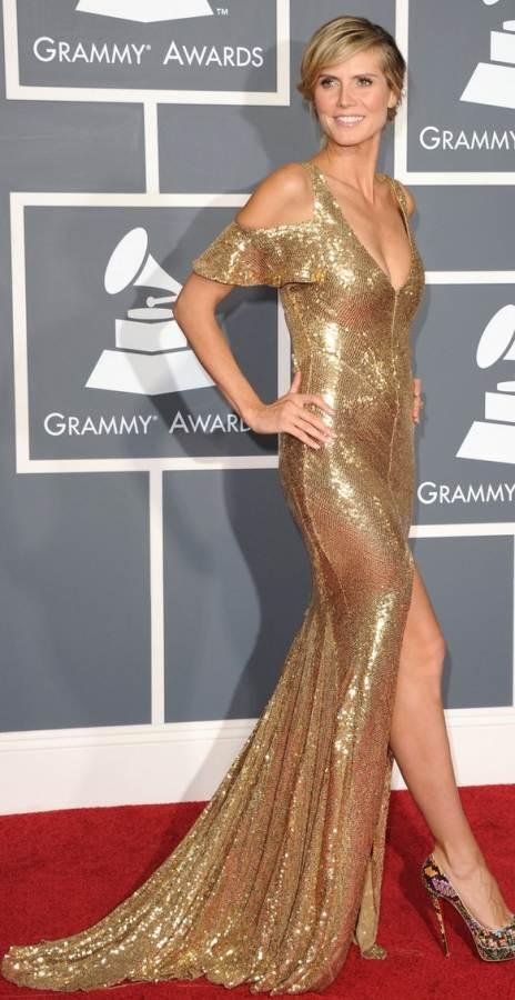 Heidi Klum in golden metallic gown at 2011 grammy awards