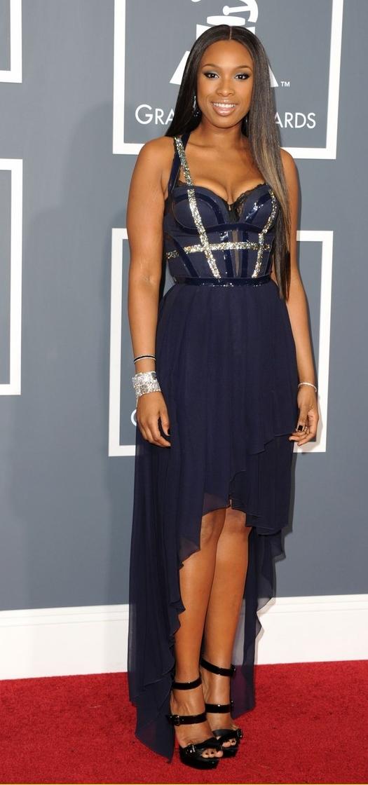 Jennifer-Hudson-in-Versace-at-2011-Grammy-Awards