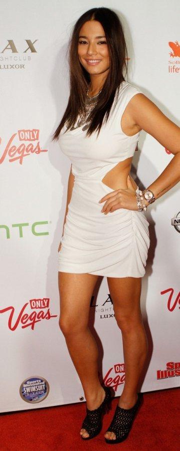 Jessica Gomes stylish at Sports Illustrated Swimwear party