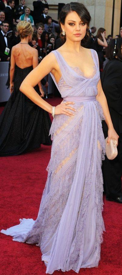 Mila Kunis 2011 Oscars Red Carpet Look
