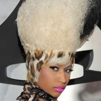 Nicki Minaj hairstyle makeup 2011 Grammy Awards
