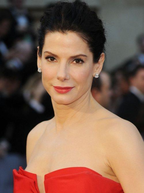 Sandra Bullock hairstyle  2011 Oscars Red Carpet
