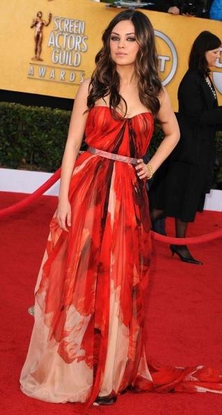 mila-kunis-strapless gown 2011 sag