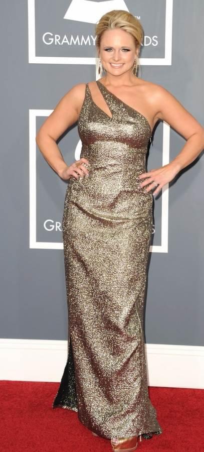 miranda-lambert-in golden metallic gown at 2011 grammy awards
