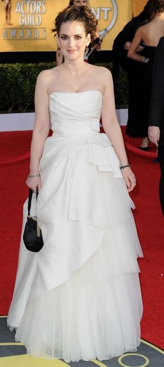 winona-ryder-strapless gown 2011 sag