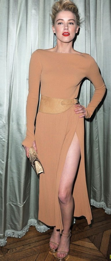 Amber Heard shows off some leg at Michael Kors Dinner