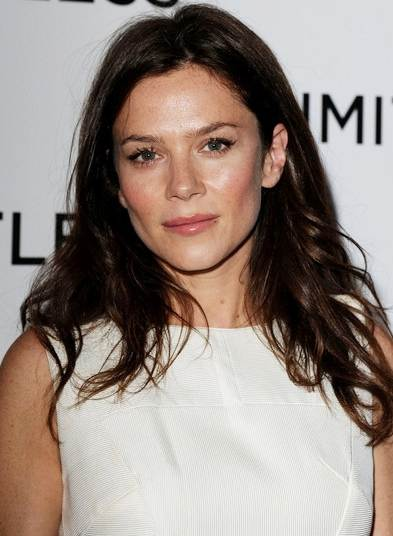 Anna Friel in white at Limitless premier