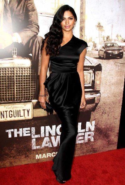 Camila Alves attends The Lincoln Lawyer LA Premiere