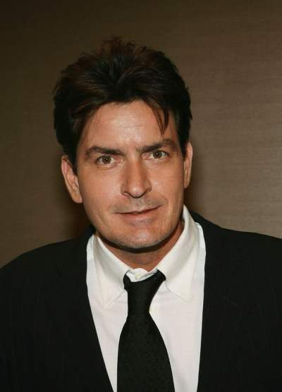 Charlie Sheen thrown out of Two and a Half Men