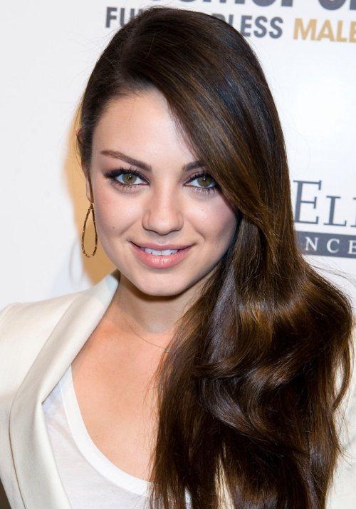 Mila Kunis hairstyle Female of the Year Award  Cosmopolitan