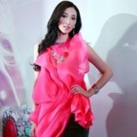 Pace Wu in pink Swarovski China Event