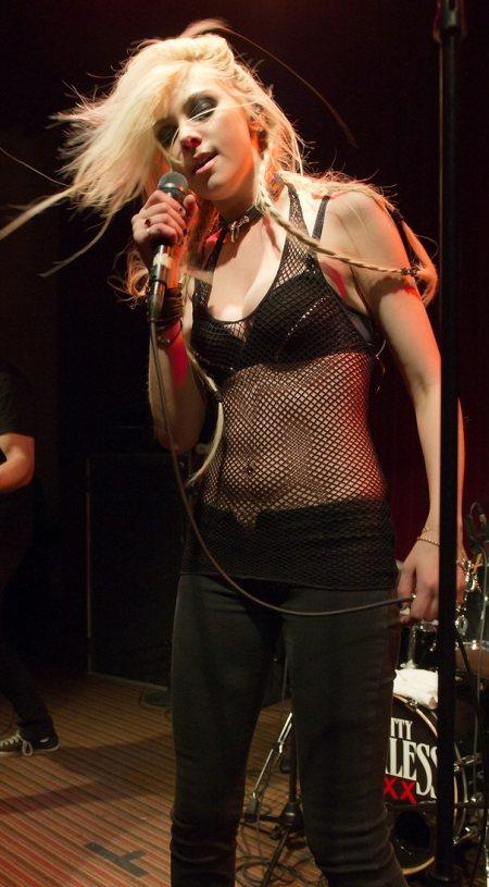 Taylor Momsen Pretty Reckless performance in Pennsylvania