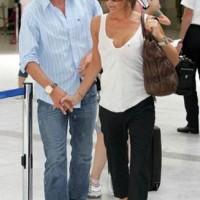 Victoria Beckham expecting daughter