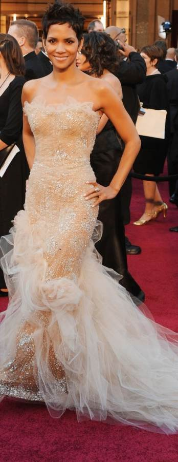halle berry oscars 2011 dress. halle-erry-2011 oscar