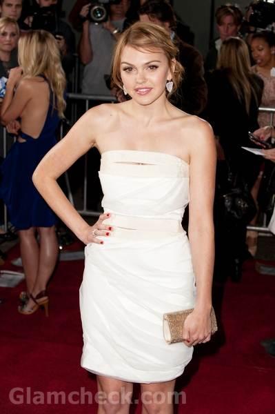 Aimee Teegarden white dress Scream 4 premiere1