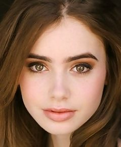 Lily Collins to play Snow White