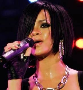 Rihanna perform top London venue 10th time