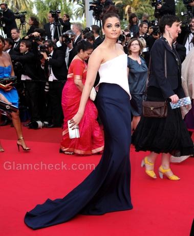 Aishwarya-Rai-Armani-Prive-2011-Cannes-Film-Festival