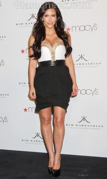 Kim-Kardashian-stunning-launch-perfume-Gold