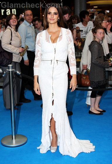 Penelope-Cruz-Givenchy-gown-Pirates-Of-The-Caribbean-Premiere