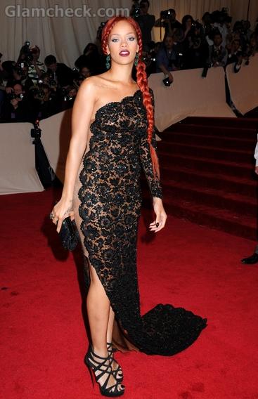 Rihanna-Stella-Mc-Cartney-met-gala