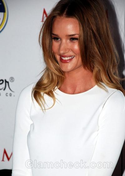 Rosie-Huntington-Whiteley-backless-white-dress-at-Maxim-Party