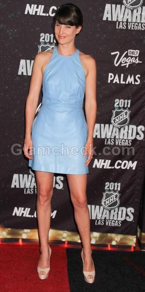 Cobie-Smulders-beige-platform-peep-toes