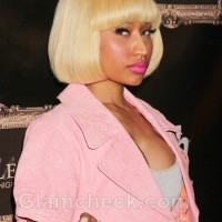 Nicki-Minaj-goes-pink