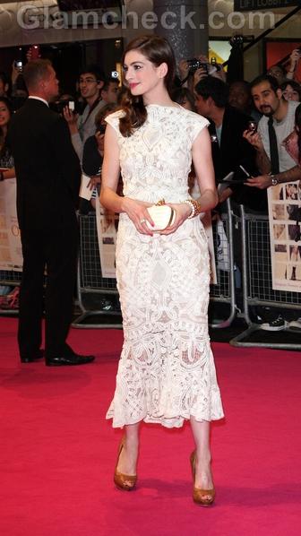 Anne-Hathaway-dress-One-Day-UK-Premiere