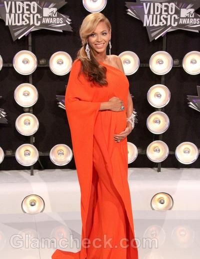 Beyonce-baby-bump-2011-VMA