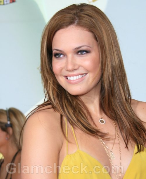 Mandy Moore Hosts Charity Event for Malaria