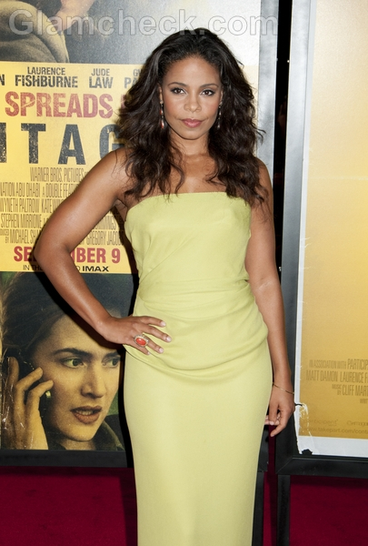 Sanaa-Lathan-Yellow-Gown-premiere-Contagion